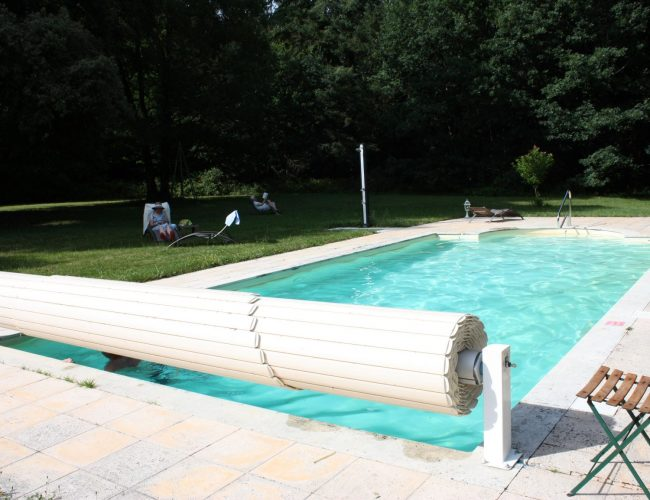 heated swimming pool nivillac guerande
